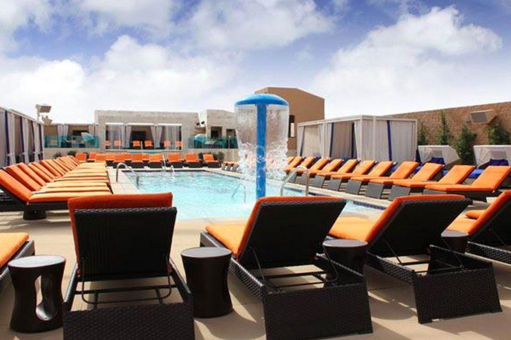 Sapphire Pool & Dayclub